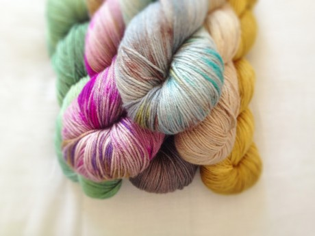 Loop Knit Lounge: Skein Yarn