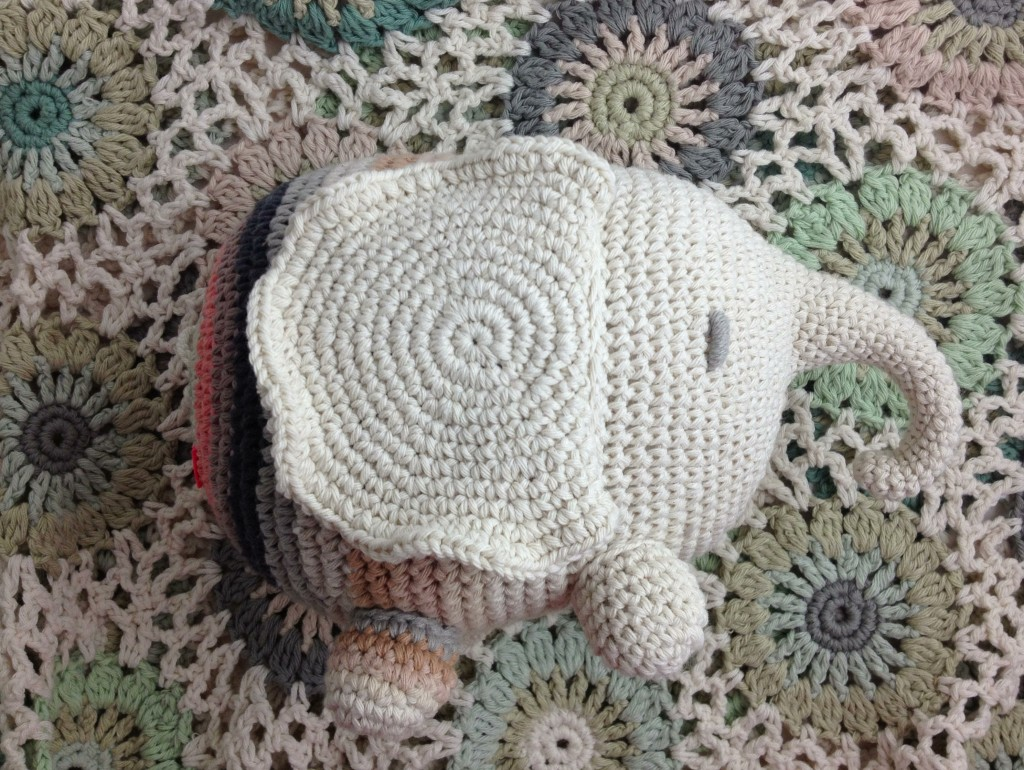 Farnesio the Elephant. Miga De Pan. Loop, London. www.loopknitlounge.com