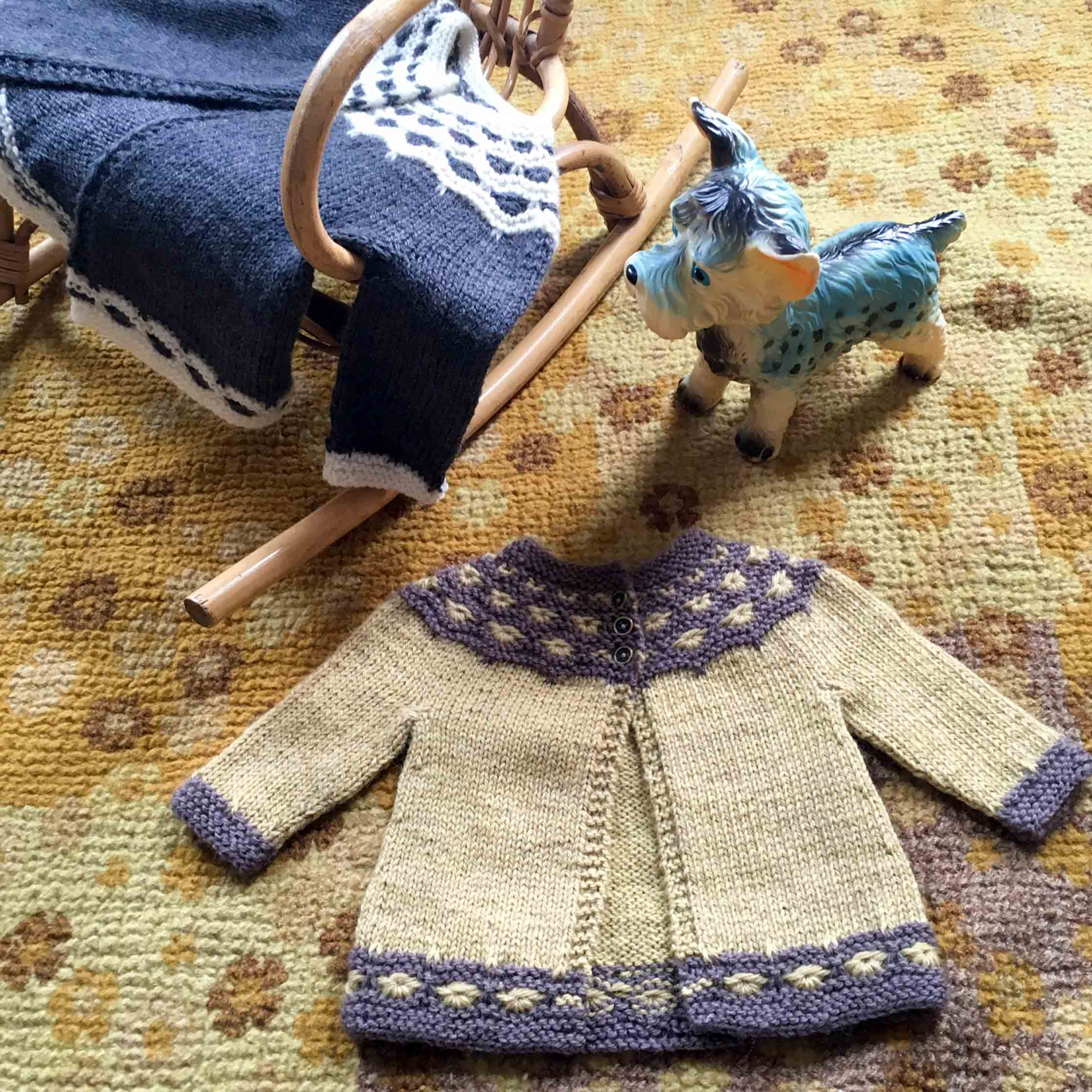 Mabel Cardigan – Free Loop Baby Pattern!