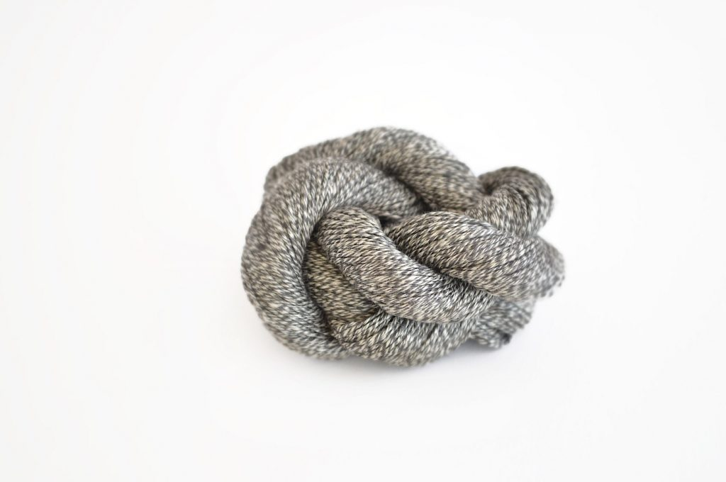 Quince & Co Sparrow Linen Mineral at Loop London