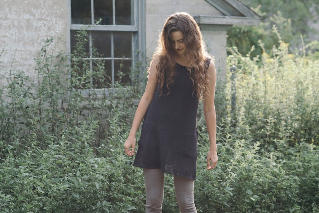 Tunic Vest Made in Quince & Co Sparrow Linen at Loop London