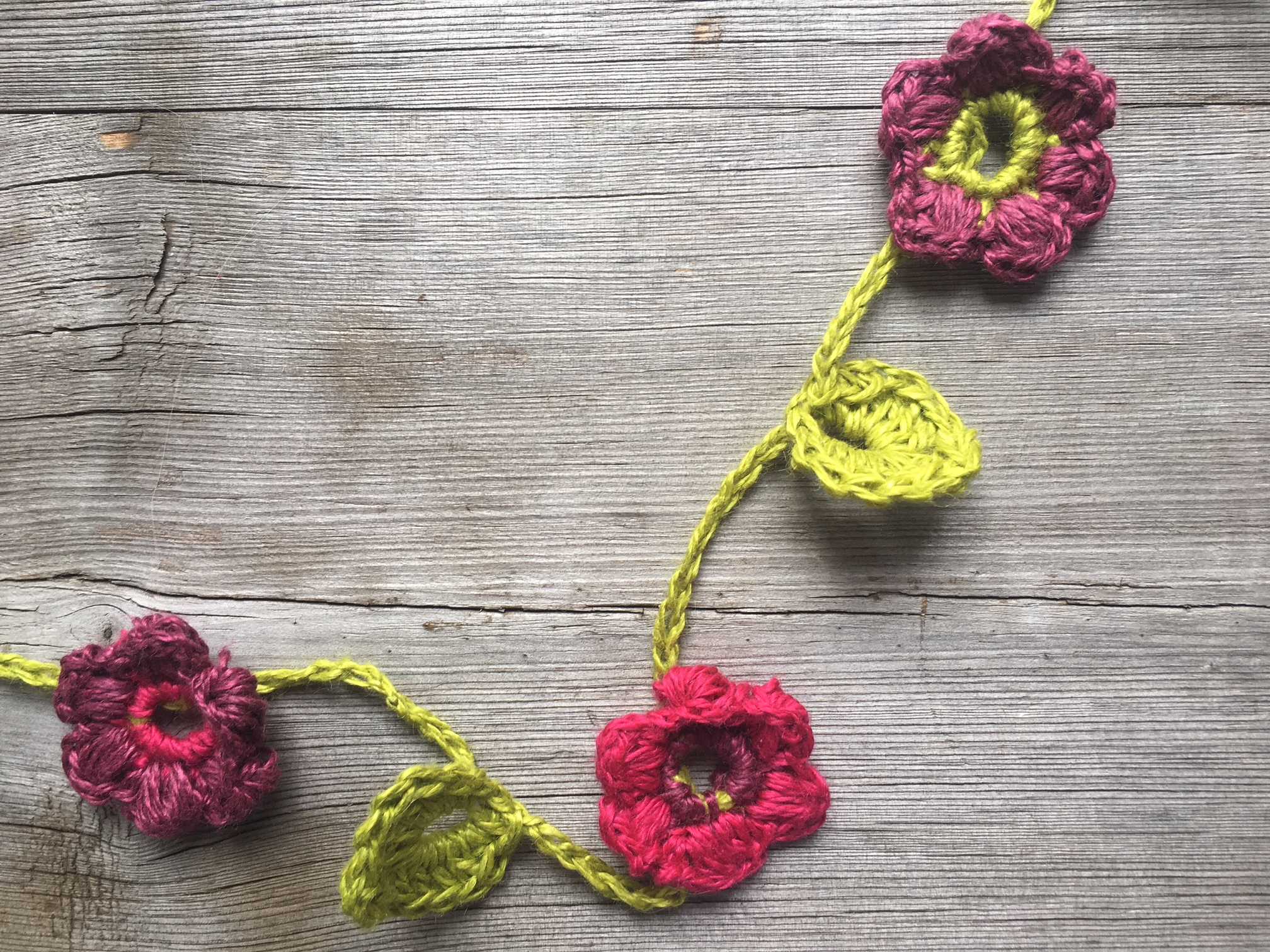 Beautiful Crochet Floral Necklace – A Free Pattern For You!