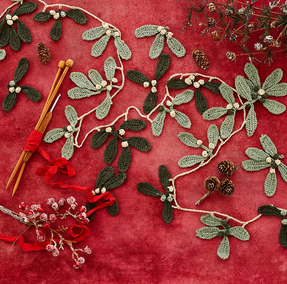 Mistletoe Garland Free Crochet Pattern