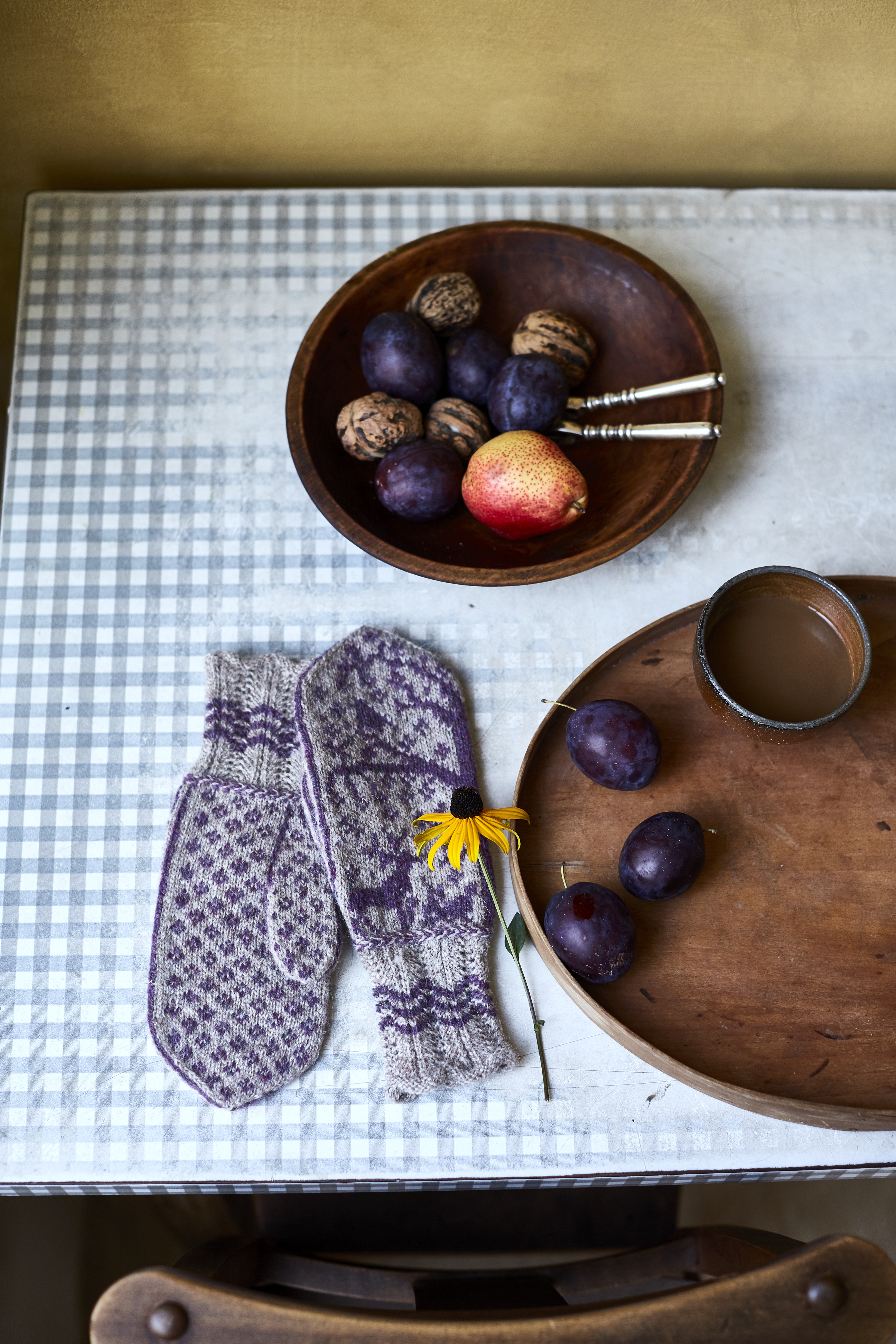 Silvestre Mitts – a beautiful new Loop pattern and a giveaway!