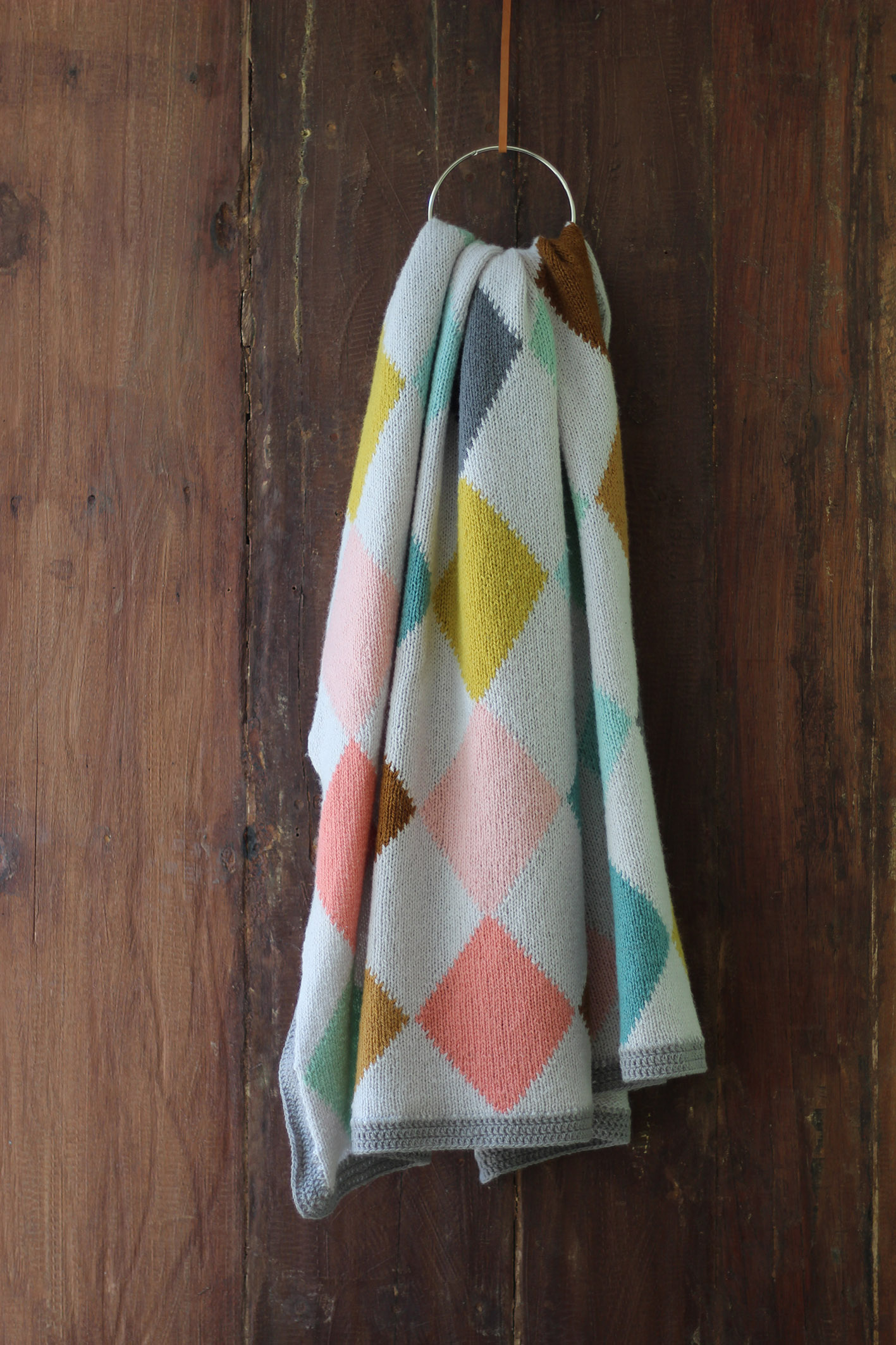 Harlequin Blanket – a new kit and a giveaway!