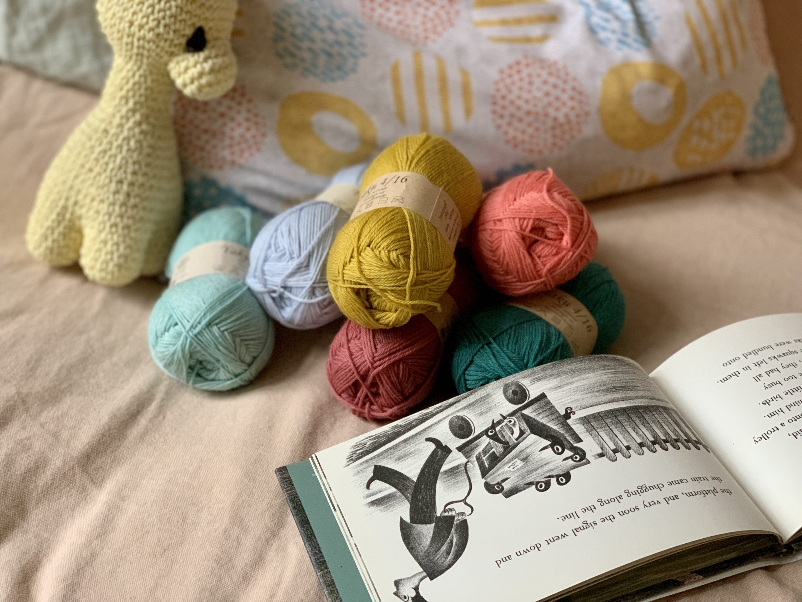 Baby yarns and cutie patterns for baby knits from PetiteKnit