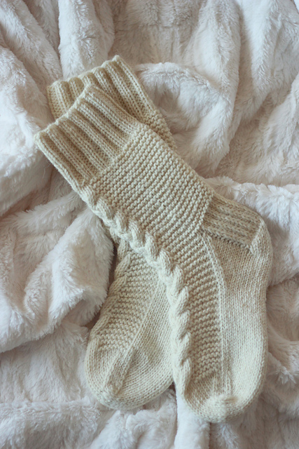 cozy cottage socks by this handmade life on Ravelry