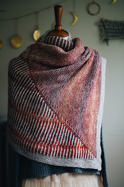 Colour combinations for beautiful shawls at Loop London